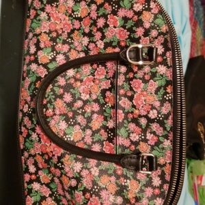 Coach Bags - Like new beautiful Coach purse